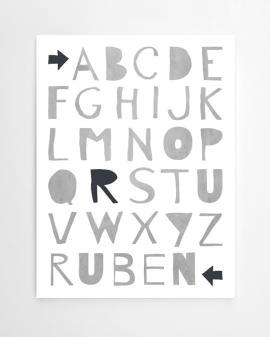 gepersonaliseerde alfabet poster met eigen naam in zwart-wit